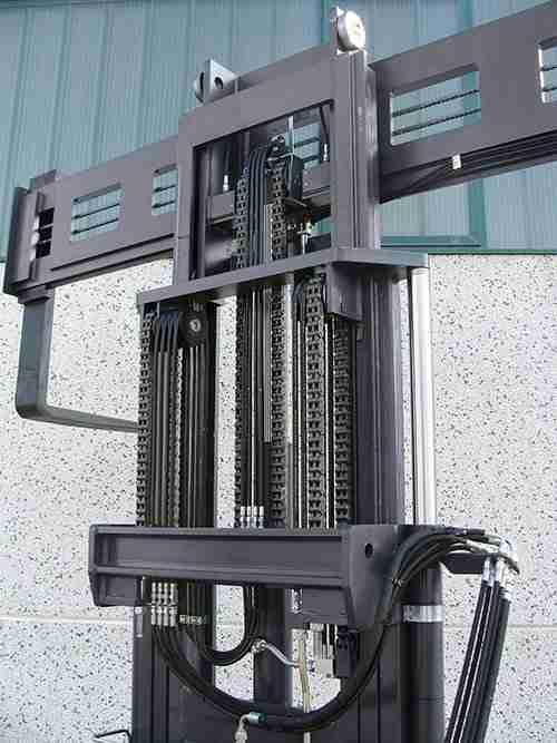 Carrelli elevatori laterali - Montante