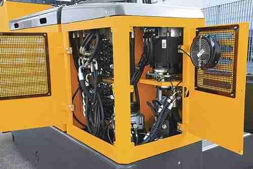 Carrelli elevatori laterali - Vano motore