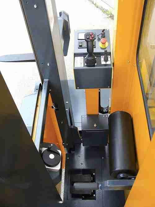 Carrelli elevatori laterali - Cabina