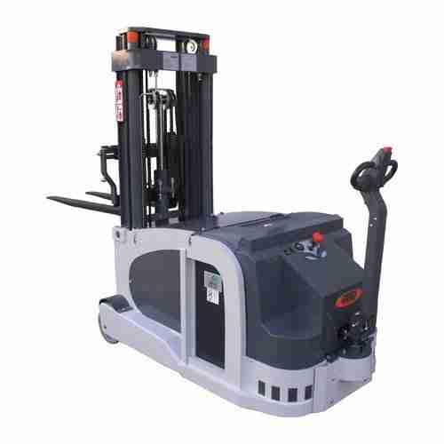 Carrello Elevatore Automatico AGV 715 FS